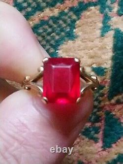 Ancient Ring In 14-karat Yellow Gold Art Deco Set With A Ruby T 60