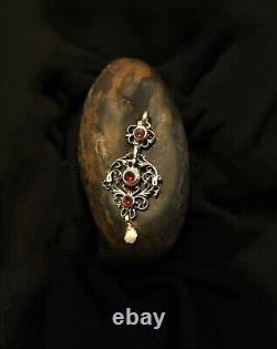 Beautiful Ancient Pendant In Massive Silver, Grenats And Pearl 2nd Part Of The 19th Century