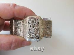 Former Chinese Bracelet In Chiseled Silver