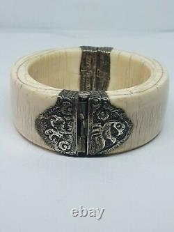 Former Jonc Cuff Bracelet In Massive Silver And Matiere Noble