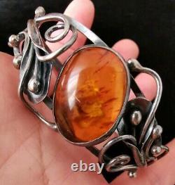 Old Amber Bracelet In Solid Silver