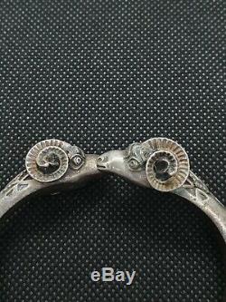 Old Solid Silver Bangle Bracelet With Semi-rigid Ram Head Refn703