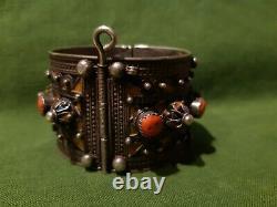 Ancien Bracelet Kabyle Argent Corail et Émail XIXe. Ethnique
