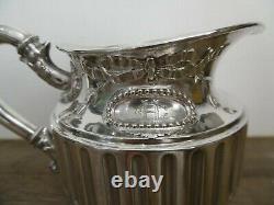Ancien pot à lait crémier en argent massif minerve Odiot
