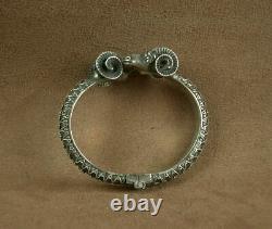 Bel Important Bracelet Ancien En Argent Massif Têtes De Belier