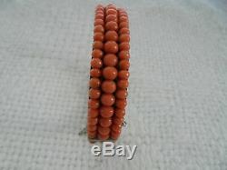 Bracelet ancien en corail à 3 rangées de perles en corail