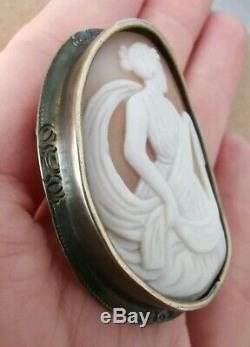 Broche ancienne en argent massif 19e avec camée en coquillage