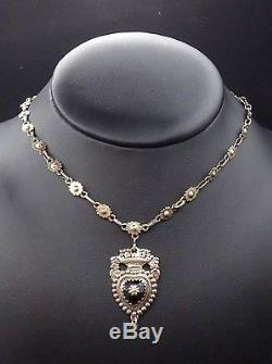 Rare ancien collier regional en argent massif vermeil et jais pendentif coeur