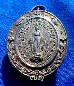 Reliquaire Pendentif Ancien En Argent Massif St Vincent De Paul 1830