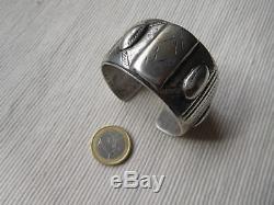 Superbe Bracelet Ancien Ethnique Vintage En Argent Massif Afrique 141 Grs Os47
