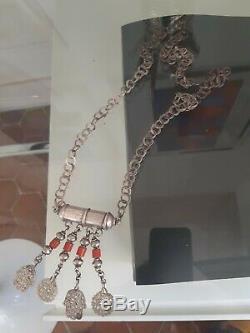 Tunisie rihanna khamsa ancien argent et perles pate de verre (berbère)